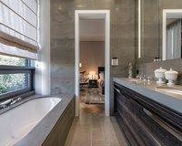 Luxury bedroom in the Pool Penthouse Berlin-Tiergarten