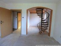 Wohnraum OG mit Treppe ins DG