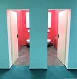 moderne Toilettenanlage