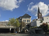 Direkt am Neheimer Marktplatz: Günstige Büroflächen in repräsentativem Gebäude!