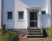 Haus Vorderseite (3)