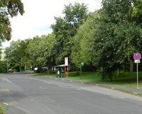 Bushaltestelle vor dem Objekt