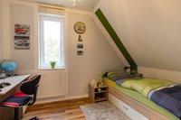 Zimmer 2 (linke Wohnung)