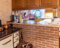 Küche mit Zugang zum HWR / in den Garten