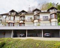 Ansicht mittlere Wohnung mit großem Balkon