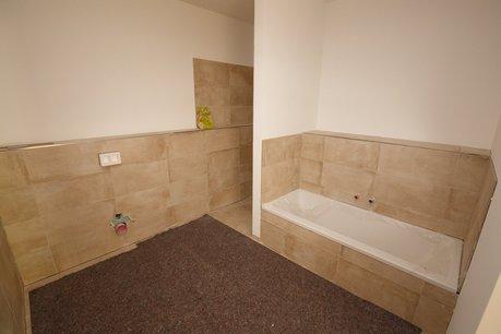 Bad mit Wanne && Dusche