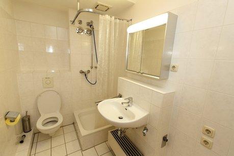 Duschbad mit Anschluss Waschm