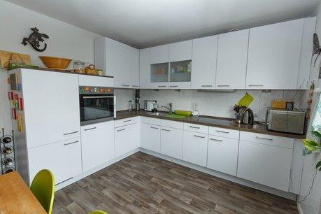 Einbauküche 2 Jahre alt