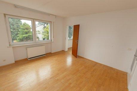 Zimmer mit Nebenraum
