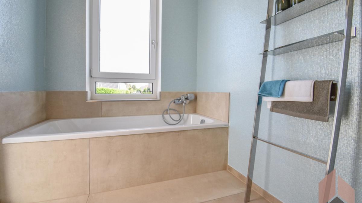 Beispiel Elternbadezimmer
