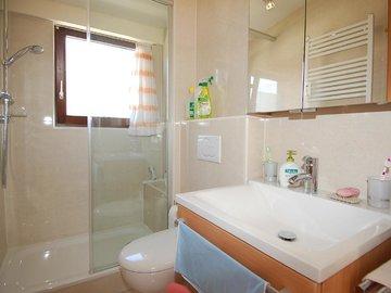 hochwertiges TLB mit Dusche