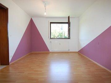 Schlafzimmer mit Laminat