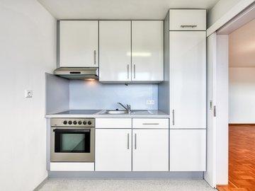 Küche mit Schiebetür