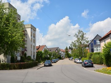 Haus Ost Straße nach oben