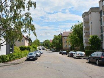 Haus Ost Straße nach unten