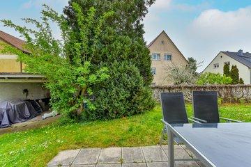 Terrasse & Garten nach S-O