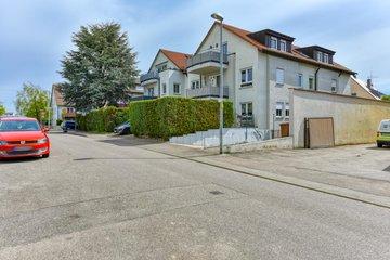 Haus West & Straße