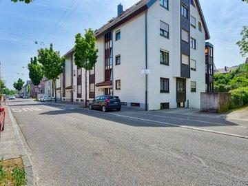 Haus Nord-West & Straße