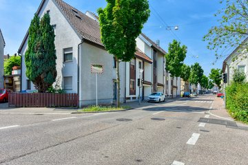 Haus Nord-Ost & Straße