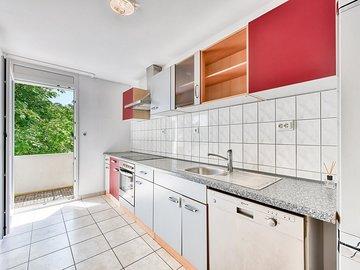 Küche zum Balkon
