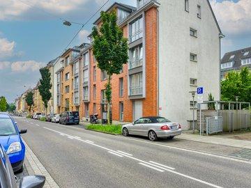 Haus Nord-West u. Straße