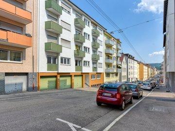 Haus & Straße v. Westen