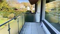 Großer Balkon der Wohnung im Obergeschoss...