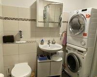 Badezimmer mit Stellplatz für Waschmaschine/Trockner