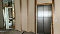Aufzug im Erdgeschoss