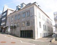 Wohn- & Geschäftshaus mit vier Etagen zur Vermietung