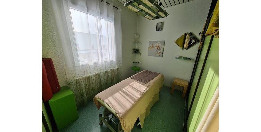 Behandlungsraum 2.jpg