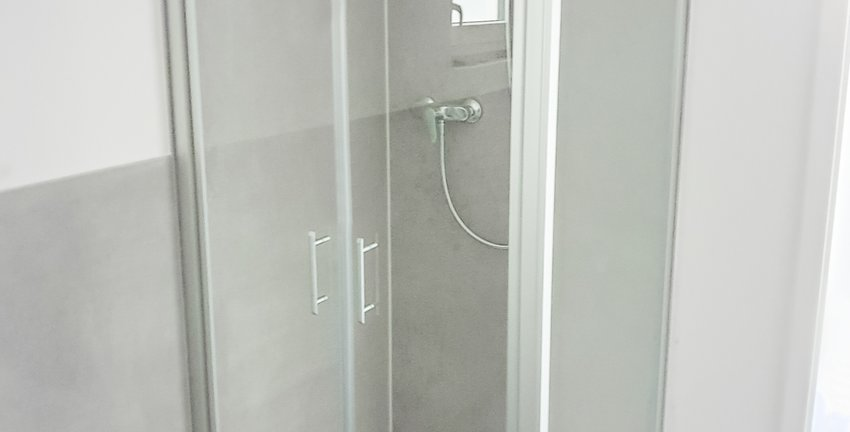 Dusche Keller 1