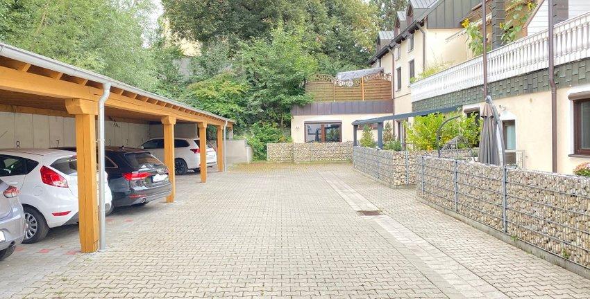 Parkplätze/Carport (Bild1)