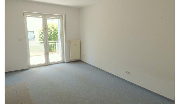 VERKAUFT | 2 Zimmer, EBK, Tageslichtbad, Balkon, TG- Stellplatz