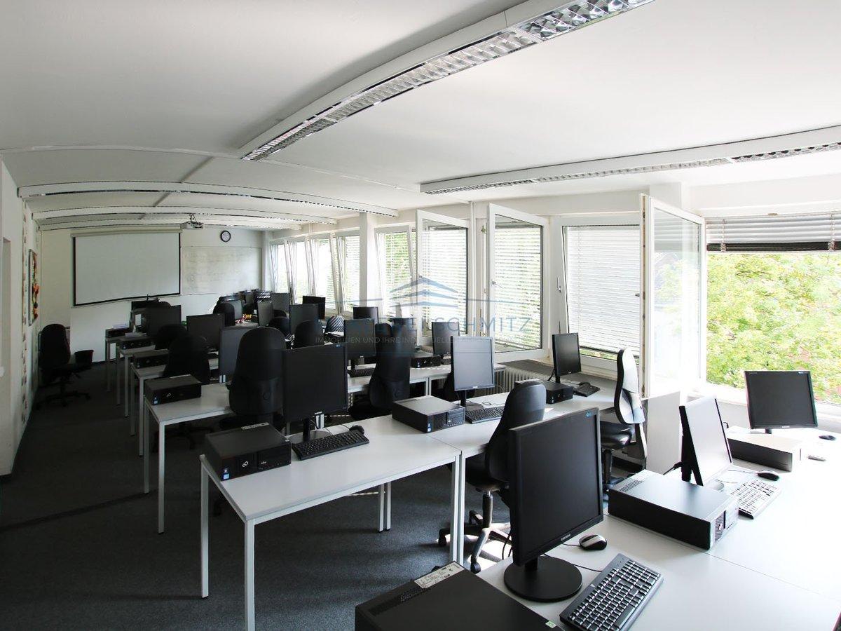 Büro1